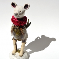 El capon, 2020, glazed paper clay, glass eyes and velvet, 27x 7 x 9.5 cm